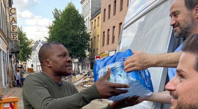 Almanya'da Diyanet İşleri Türk İslam Birliği gönüllülerinden sel felaketi mağdurlarına yardım
