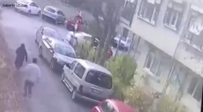 İstanbul'da emekli maaşını çeken yaşlı kadına kapkaç kamerada