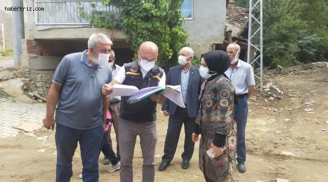 Kaymakam Özay, selden zarar köyde incelemelerde bulundu