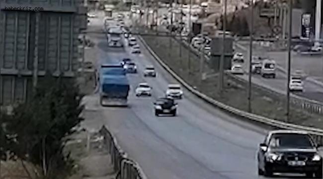 Kilit kavşakta korku dolu anlar: Ters yöne giren tır sürücüsü, trafiği tehlikeye attı