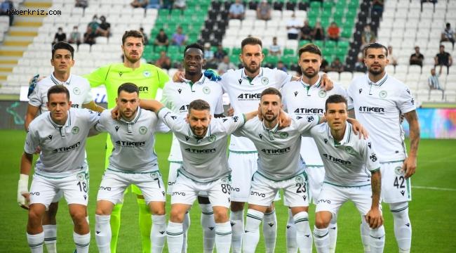 Konyaspor'da 8 futbolcu geldi, 15 gitti