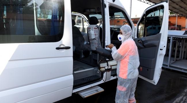 Muratpaşa Belediyesi okul servis araçlarını dezenfekte etti