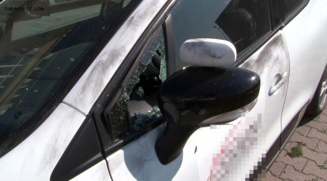Park halindeki sürücü kursu araçlarının camlarını patlatıp teyplerini çaldılar