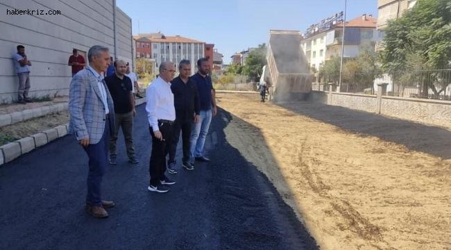 Salihli'de asfalt çalışması devam ediyor