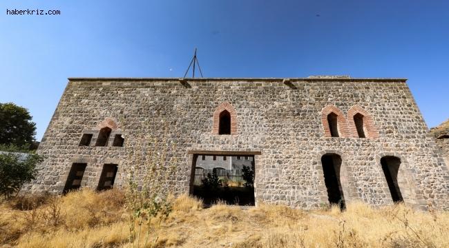 Şehzadeler Konağı 'Sezai Karakoç Kültür Evi' oluyor