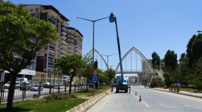 VEDAŞ Muş'ta elektrik şebekelerini yeniliyor